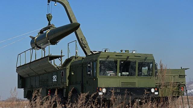 """Ván bài lật ngửa nhưng hiểm hóc của Mỹ và Nga để """"bắn hạ"""" Trung Quốc"""
