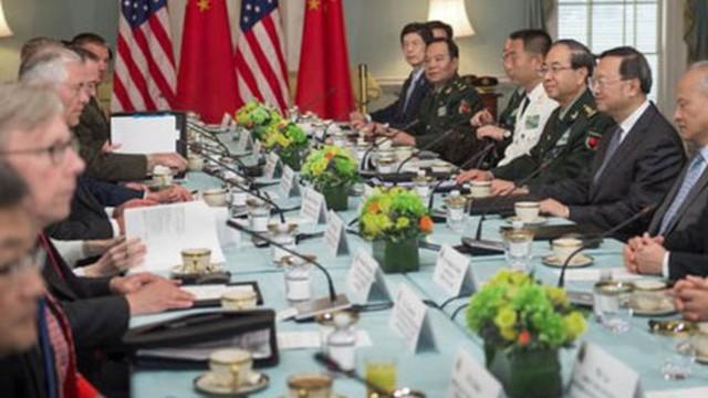 """Bất đồng dồn dập, Mỹ và Trung """"nắn gân"""" nhau qua đối thoại"""