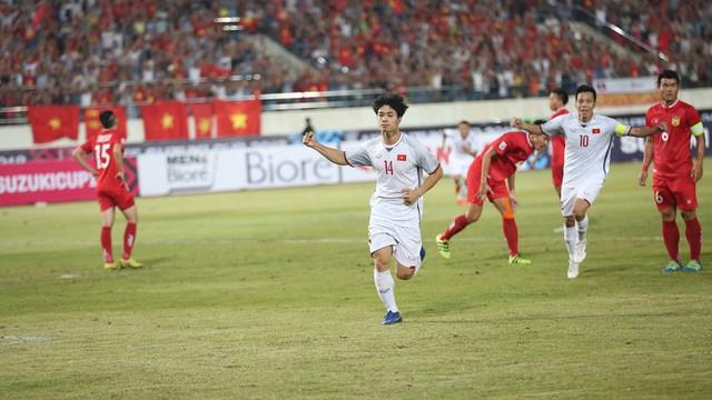 Lào 0-3 Việt Nam: Quang Hải lập siêu phẩm đá phạt cho ĐT Việt Nam