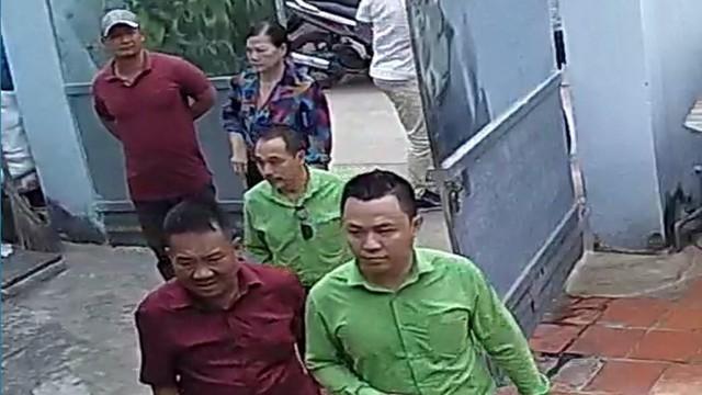 Công an điều tra nhóm người lạ mở cổng, xông vào hành hung chủ nhà