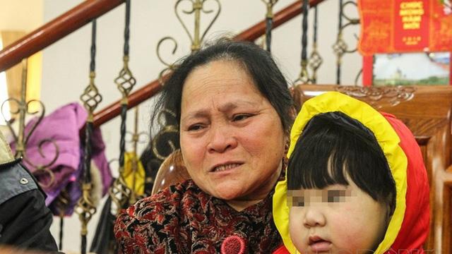 Đã 36 cái Tết, đôi vợ chồng vẫn mải miết tìm con thất lạc trên chuyến tàu cuối năm