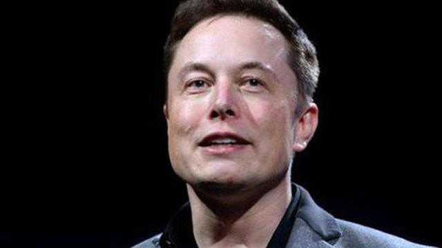 Hành trình kiếm tiền hơn 30 năm của Elon Musk: 12 tuổi tự học lập trình, không ngại lao động chân tay, build PC phục vụ sinh viên khác
