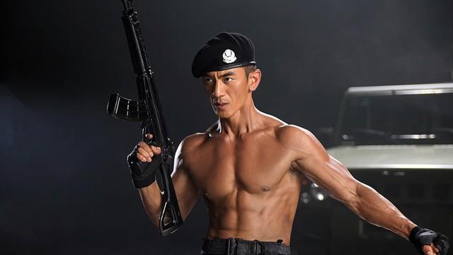 """Nhậm Thiên Dã: """"Chiến binh thiện nghệ"""", ông hoàng dòng phim quân sự truyền hình Trung Quốc"""
