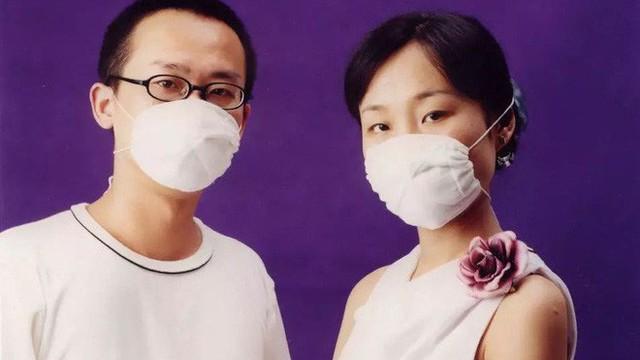 Vợ qua đời vì bạo bệnh, người chồng mỗi lần nhớ vợ đều làm hành động kỳ lạ này nhưng ai cũng rưng rưng xúc động