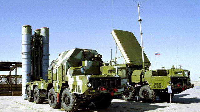 Nga giao tên lửa S-300 cho Syria: Tiêm kích Mỹ, Israel bị phục kích - Ngồi trên đống lửa?