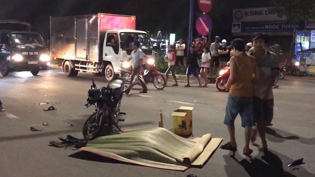 Thiếu niên 16 tuổi vượt đèn đỏ bị xe tải cán chết thương tâm