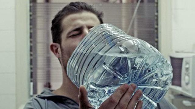 5 thời điểm dù có khát đến mấy cũng không nên uống nước