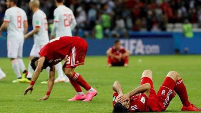 Công nghệ VAR đang góp phần giết chết thứ bóng đá cảm xúc