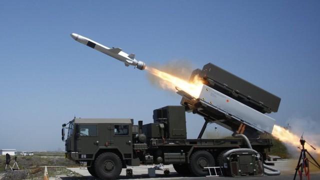 """Mỹ cuống cuồng phát triển tên lửa bờ: Kẻ thù đã kéo đến trước ngõ sẵn sàng """"ném đá""""?"""