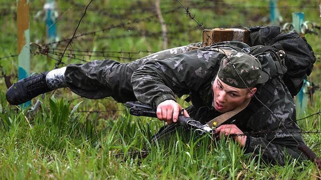 Ảnh: Trinh sát Nga đọ sức tại thao trường Koltsovo ở Novosibirsk