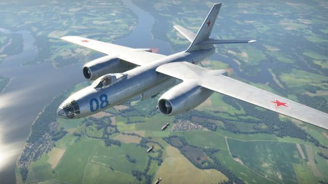 Máy bay ném bom từng sát cánh bên KQ Việt Nam - Huyền thoại bầu trời chưa bao giờ thất bại