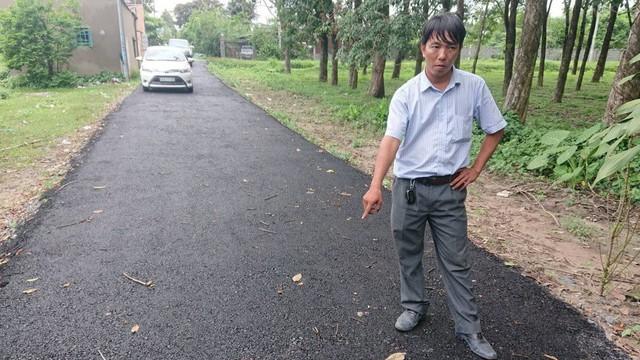 """Người bỏ 200 triệu làm đường: """"Phá đường nhựa trả lại đường đất, tiền mất tật mang, tôi rất buồn"""""""