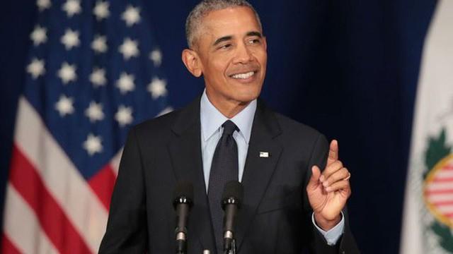 Tổng thống Obama tiết lộ từng bị đuổi khỏi Disneyland