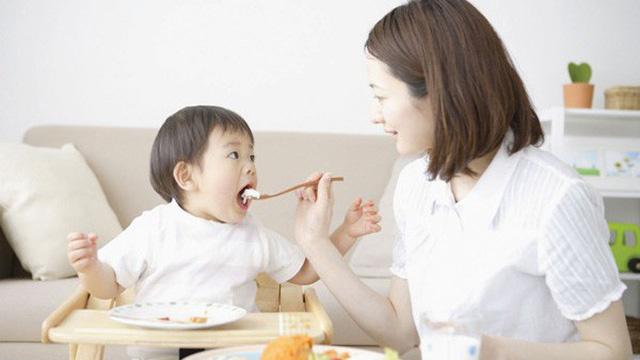 Chế độ ăn của trẻ suy dinh dưỡng thấp còi