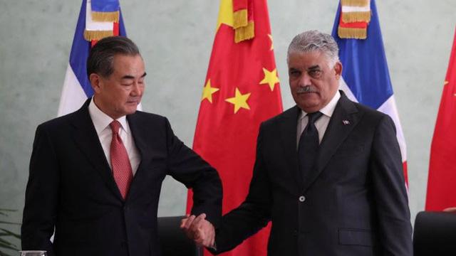 Vừa cắt đứt quan hệ với Đài Loan, cựu đồng minh đã để Trung Quốc mở Đại sứ quán