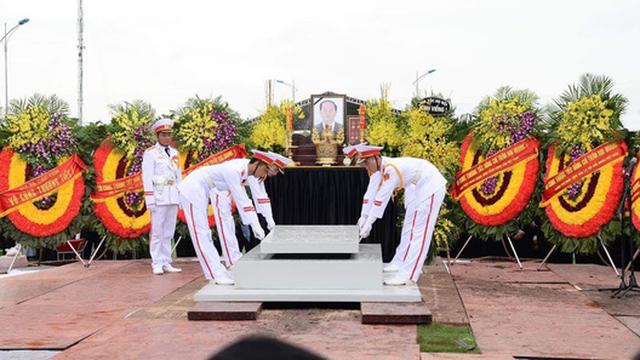 Chủ tịch nước Trần Đại Quang trở về đất mẹ
