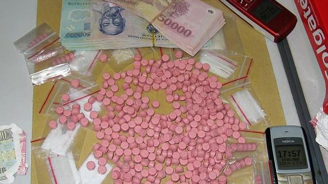 Bắt 4 đối tượng vận chuyển 54 nghìn viên ma túy lấy 100 triệu tiền công ở Sơn La