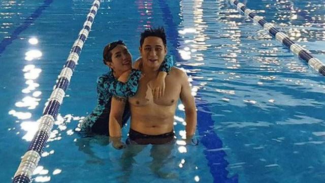 'Vũ sắt' Minh Tiệp tiết lộ giảm 12 kg: Sáng sớm cõng vợ xuống bể bơi, bơi 20 vòng