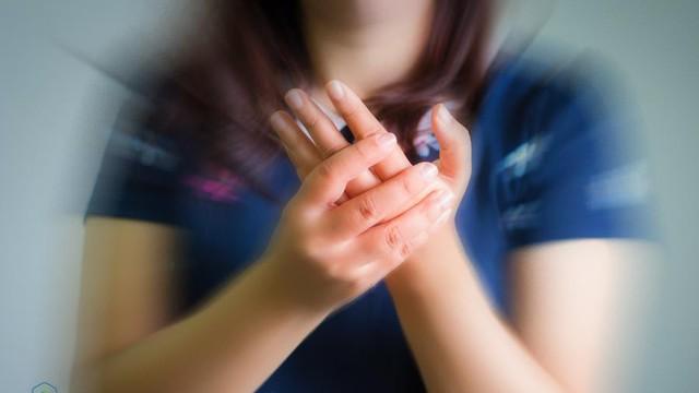 Tê tay chân là bệnh gì? Nguyên nhân, triệu chứng và cách điều trị