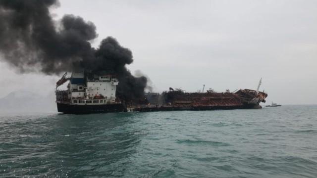 Tàu Aulac Fotuner chở dầu bốc cháy ngoài khơi Hồng Kông thuộc công ty có trụ sở ở TP HCM