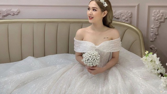 Lộ ảnh cưới của 'streamer giàu nhất Việt Nam' Xemesis và cô dâu kém 13 tuổi sau màn khoe nhẫn đính hôn khiến dân tình dậy sóng