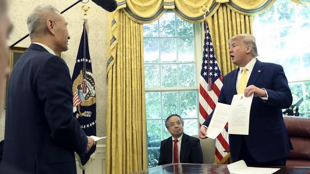 """Thỏa thuận Mỹ-Trung giai đoạn 1: Thực chất là """"bong bóng căng phồng"""" chờ nổ, đưa đến cuộc chiến khốc liệt hơn?"""