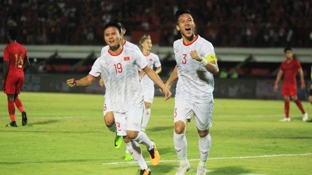 Phóng viên Malaysia tâm phục khẩu phục, chấm Việt Nam điểm A+ sau 2 chiến thắng ấn tượng