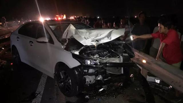 Tai nạn giao thông thảm khốc, cả gia đình chết thảm