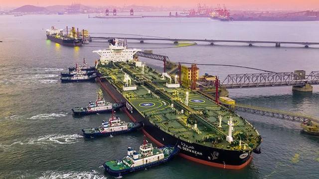 """Bị trừng phạt, công ty Trung Quốc """"phù phép"""" đội tàu chở dầu từ Iran khiến Mỹ hết đường theo dõi?"""