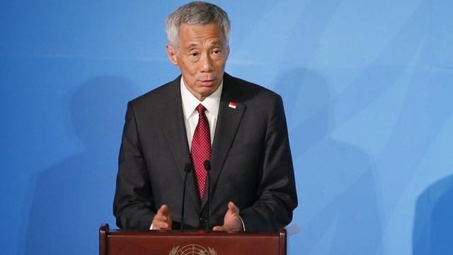 """Nói người biểu tình Hong Kong """"bôi nhọ"""" chính quyền, ông Lý Hiển Long trở thành """"người hùng' mạng xã hội ở TQ"""
