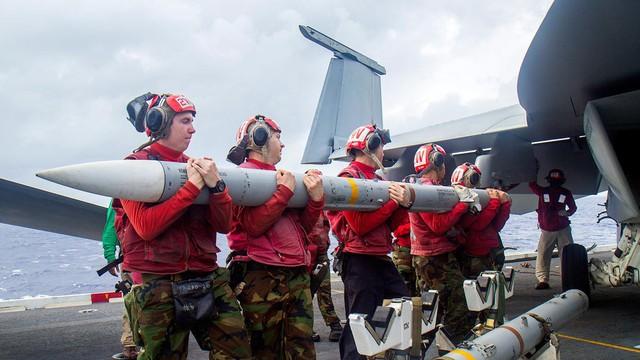 Mỹ sẽ bán 120 tên lửa không đối không tầm trung cho Hàn Quốc
