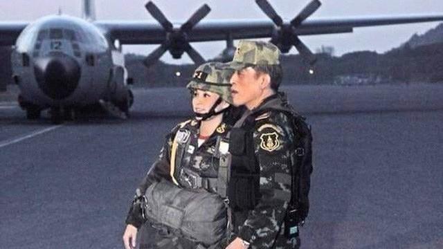 """Thân binh không phải để chơi: Quốc vương Thái """"tương kế tựu kế"""" nhằm kiểm soát quân đội?"""