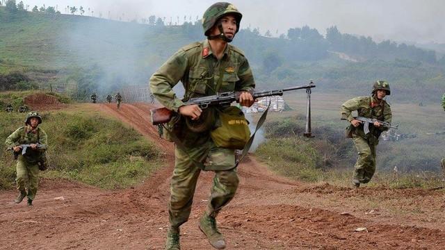 Chiến trường K: Hồi hộp ra chốt - Tân binh lần đầu khai hỏa đại liên 12,8 ly