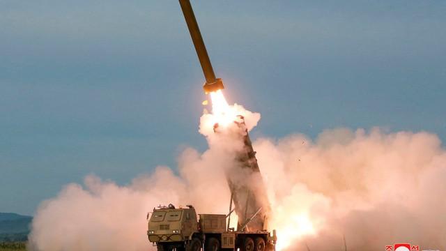 Triều Tiên phóng tên lửa giữa bế tắc đàm phán với Mỹ, Nhật ra khuyến cáo cho tàu thuyền