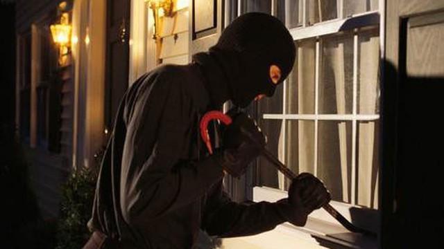 Tìm cách chống trộm, người đàn ông không ngờ có ngày chặn đứng đường sống của người trong nhà