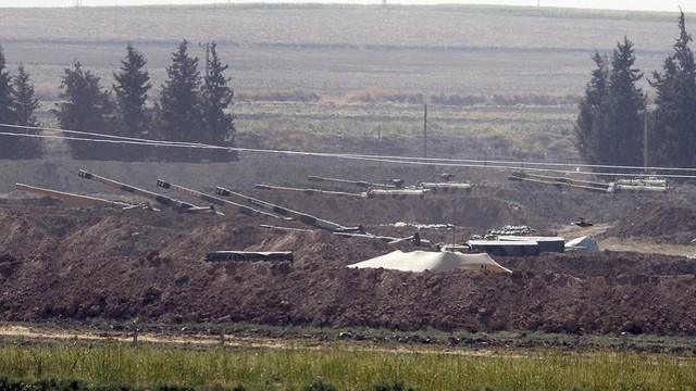 """Nội ứng ngoại hợp, đại quân Thổ Nhĩ Kỳ sắp ập vào Syria: Phát hiện Mỹ ồ ạt tiếp viện người Kurd, """"chọc gậy"""" Ankara"""