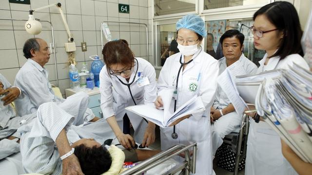 16 tuổi, 88kg vào viện cấp cứu do ăn uống: Mối nguy bệnh tật từ miệng vào đang trẻ hoá