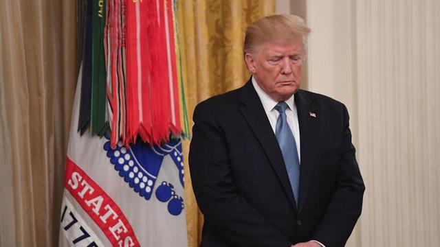 """Đảng Cộng hòa đang """"đuối lý"""" trước cơn bão luận tội Tổng thống Trump?"""