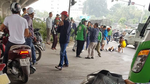 Vụ thanh niên cầm dao truy sát 2 cô gái trên đường Hà Nội: Do 2 vợ chồng có mâu thuẫn
