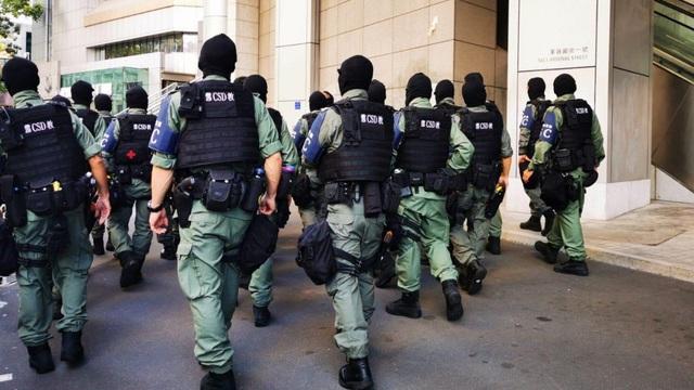 """Hong Kong chính thức triển khai lực lượng """"hổ bay"""" giữa làn sóng biểu tình bạo động"""