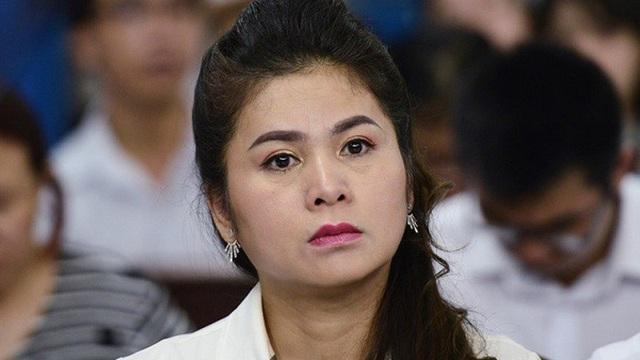 Bà Lê Hoàng Diệp Thảo nộp giấy nhận viện, phiên ly hôn lại tạm ngưng
