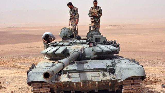"""T-72B3 """"hất cẳng"""" T-90A ở Syria để trở thành vua chiến trường: Nước cờ gì của Nga?"""