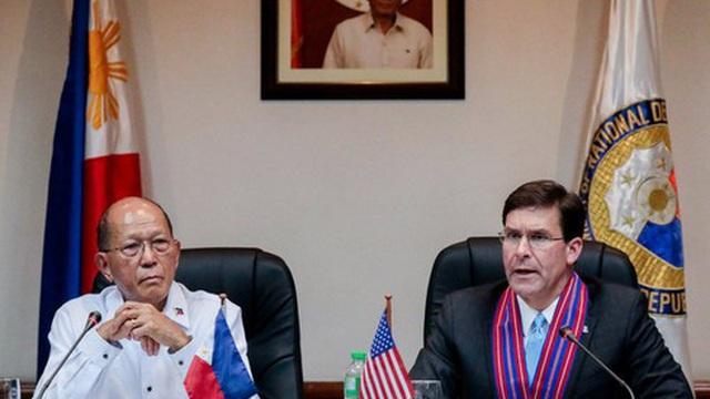 Mỹ chỉ trích TQ ngang ngược ở Biển Đông, hứa tăng sức mạnh cho quân đội Philippines