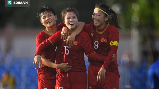Mất điểm trước Thái Lan, đội trưởng nữ Việt Nam đổ lỗi cho sân cỏ nhân tạo