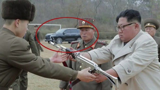 Siêu xe Lexus mới của ông Kim Jong-un lần đầu lộ diện: Mẫu xe đời mới nhất, có giá hơn 90.000 USD ở Mỹ