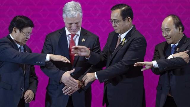 """Ông Trump mời lãnh đạo ASEAN dự """"hội nghị thượng đỉnh đặc biệt"""" tại Mỹ vào đầu năm 2020"""
