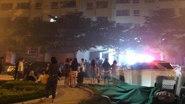 Cháy ở chung cư, hàng trăm hộ dân hoảng loạn nháo nhào tháo chạy