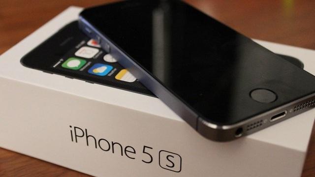 """iPhone 5S """"đắt bỏng tay"""" một thời xuống giá thảm, ngang ngửa chiếc điện thoại cục gạch"""
