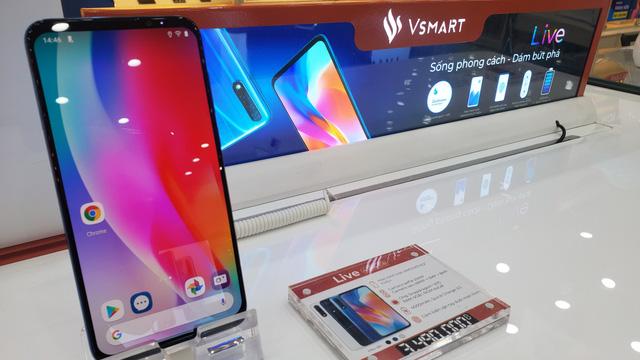 Không chỉ Vsmart Live sập giá, hàng loạt smartphone đang giảm sốc cuối năm