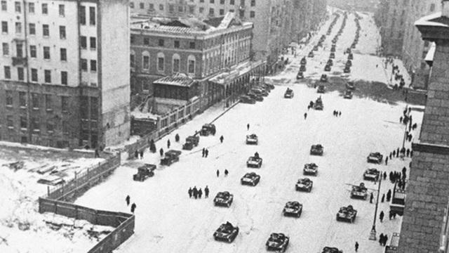 Tại sao Liên Xô lại tổ chức lễ duyệt binh lịch sử năm 1941?